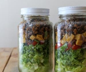simple-taco-salad-in-a-jar-thumbnl-178719